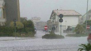 Photo of Gruppo Pd: grandinata del 10 luglio, la regione provveda con fondi propri alla messa in sicurezza d'urgenza delle opere pubbliche danneggiate