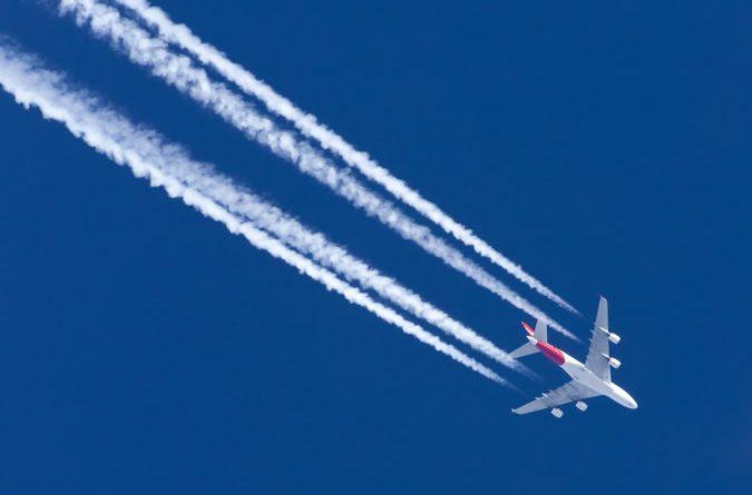 Linie lotnicze Qantas zaoferują darmowy dostęp do serwisów streamingowych.