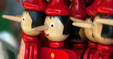 """Guillermo Del Toro wyreżyseruje pełnometrażową animację """"Pinokio"""" dla Netflixa"""