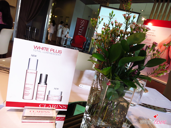 Clarins New White Plus Total Luminescent Day and Night Duo 1