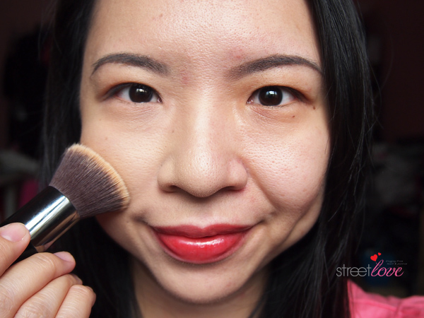Colours Cosmetics Malaysia Flat Top Foundation Brush using with Powder Foundation 2