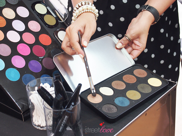 Make Up For Ever Artist Shadow 10