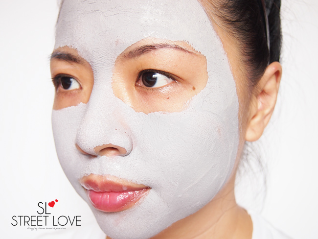 Innisfree Super Volcanic Clay Mousse Mask 7
