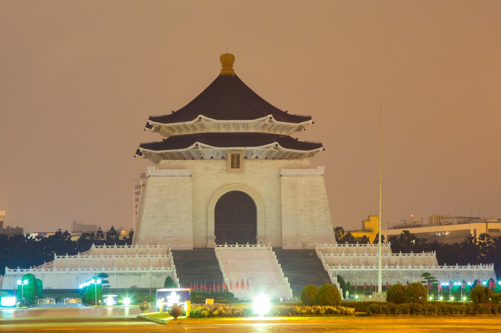 National Chiang Kai-shek Memorial Hall Over 4K Retina iMac(中正記念堂 over 4k retina iMac)
