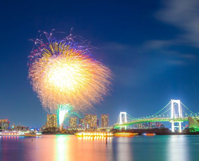 Hanabi Fireworks with Tokyo Rainbow Bridge