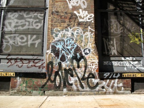 Street_art_photo_Love_me_NYC_2503.jpg