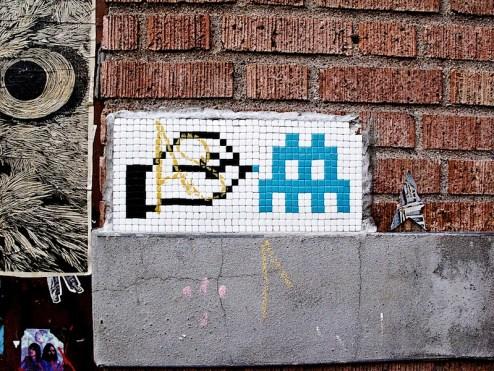 invader_meets_paint.jpg