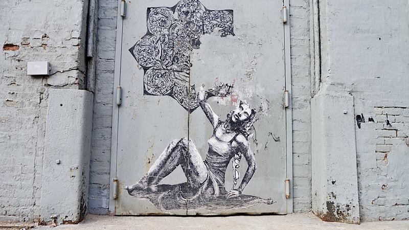 Imminent_disaster_street_art_in_dumbo.jpg