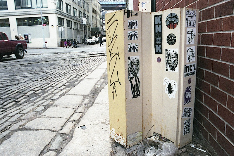 stickers_by_darkcloud_and_matt_siren_in_dumbo.jpg