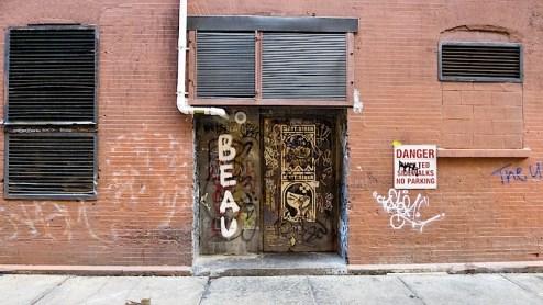 street art graffiti by beau and matt siren found in tribeca in NYC