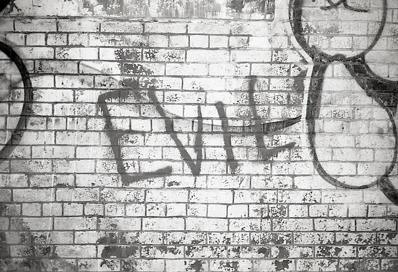 evil_graffiti_contaxt2_kodak400tx006.jpg