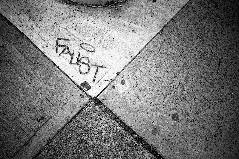 faust_graffiti_street_art_in_nyc.jpg