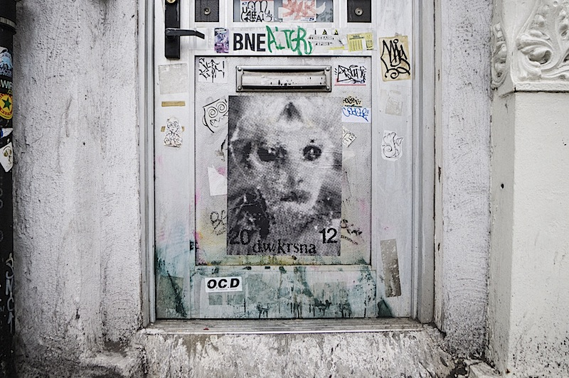 d_w_krsna_street_art_graffiti_alien.jpg