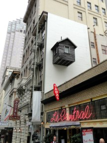 Hotel Des Arts - Street Art Converges With Hostelry