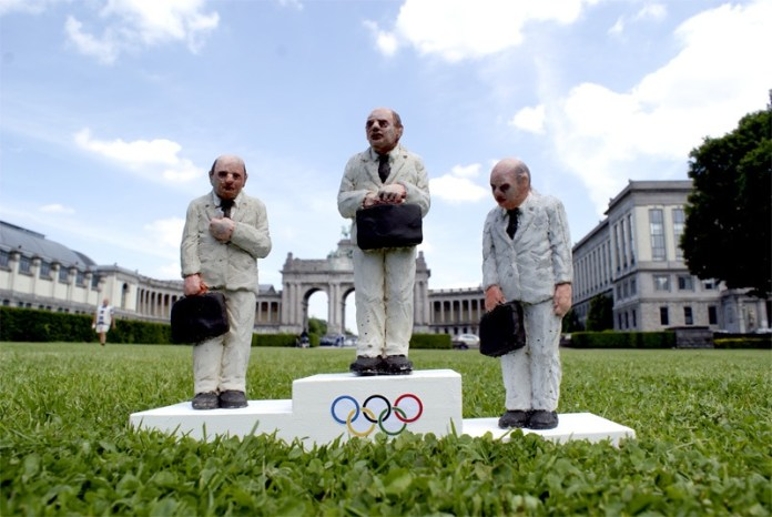 Olympics – Cement Eclipses´s works by Isaac Cordal