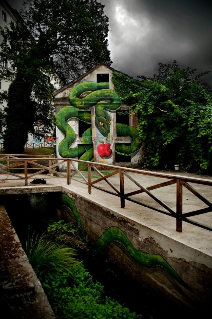 By SOKRAM. At DESORDES CREATIVAS 2012 in Ordes, Galiza, Spain 5