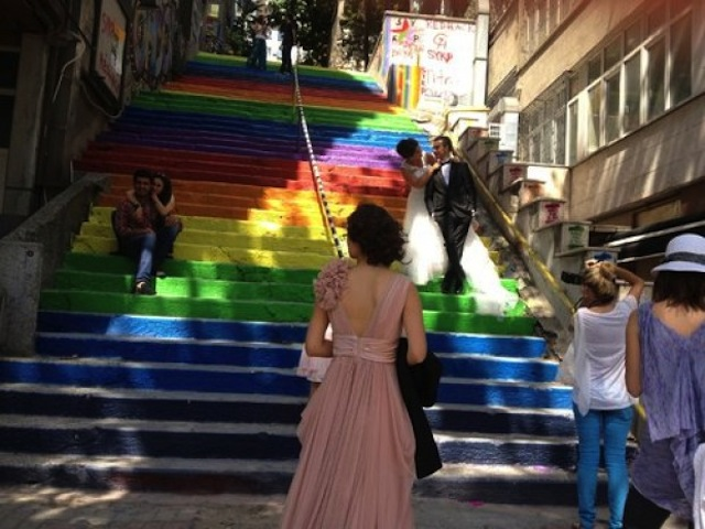 Street Art Color Steps in Turkey 9