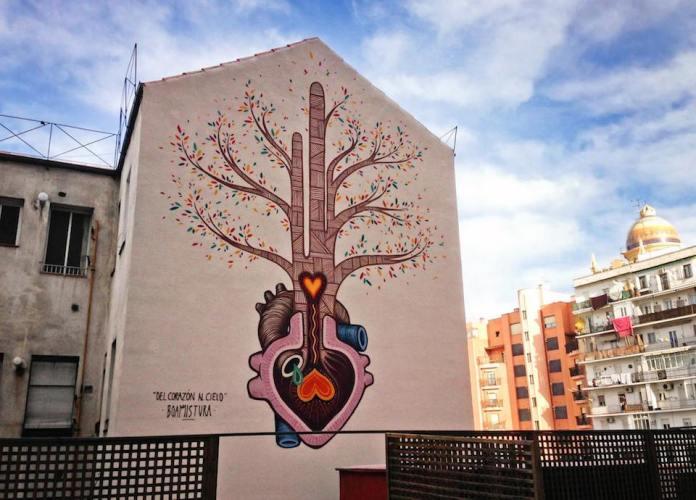 Street Art in Madrid, Spain. DEL CRAZÓN AL CIELO - By Boa Mistura