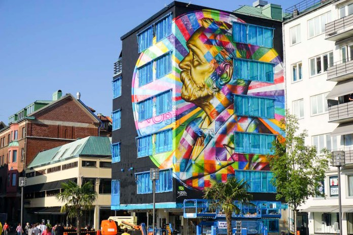 Street Art by Eduardo Kobra in Borås Sweden 95u234