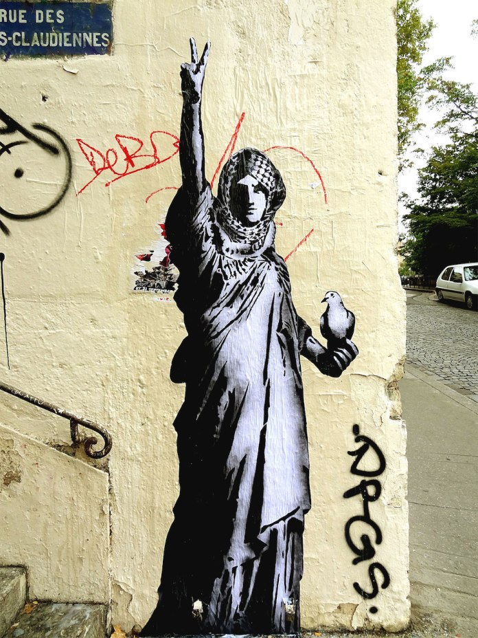 Street Art by Goin in Lyon, France - Lady Gaza