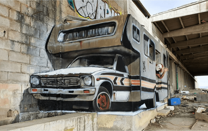 3D Caravan on Concrete! Incredible!