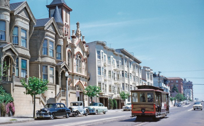 In Pacific Heights, on California Street near Buchanan (note the ornate Victorian firehouse, now gone). Walt Vielbaum photo.
