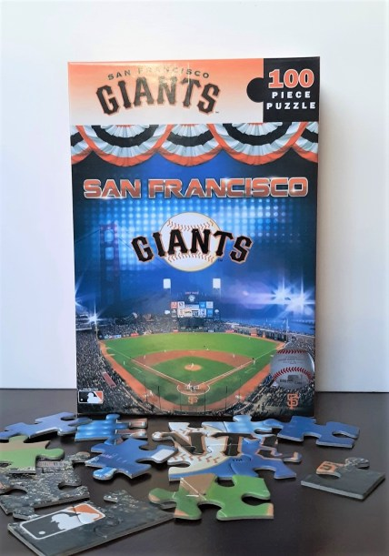 Puzzle-Giants-Ballpark-100-piece-2.jpg