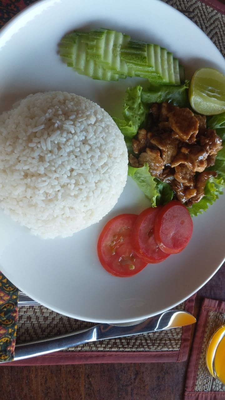 Rajabori Villas Food Koh Trong Guide