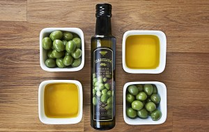 Isabelina Olives Oil and Bottle