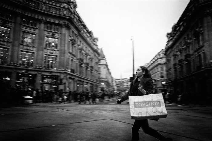 Oxford Circus sprint by Anton Fortein