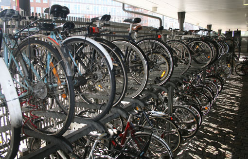 IMG_0470_bike_parking_trainstation.jpg