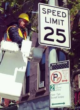 More of these signs could be going up if Albany officials join NYC electeds in supporting a 25 mph speed limit. Photo: NYC DOT