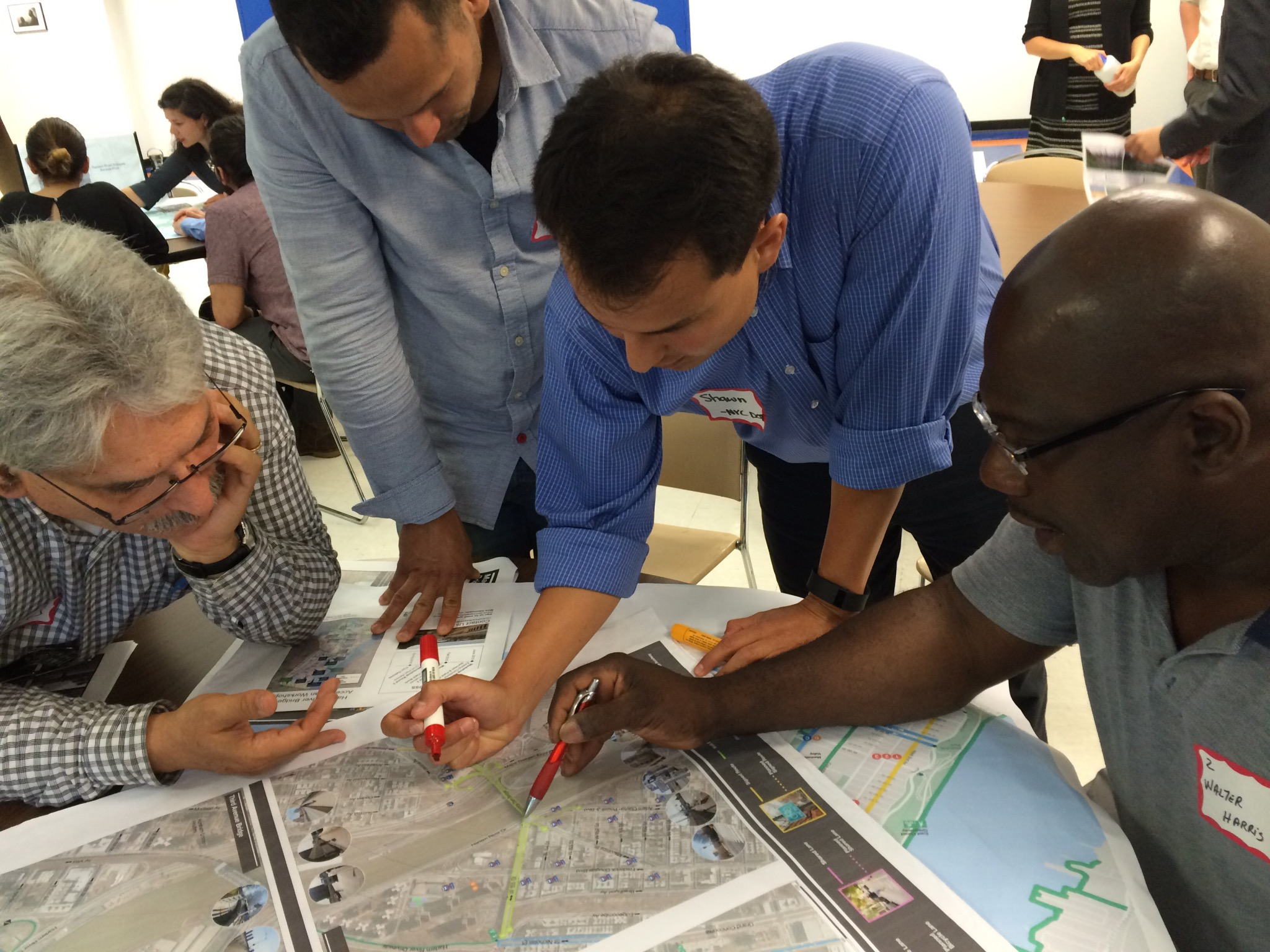 Bronx and Upper Manhattan residents had plenty of suggestions for DOT last night. Photo: Stephen Miller