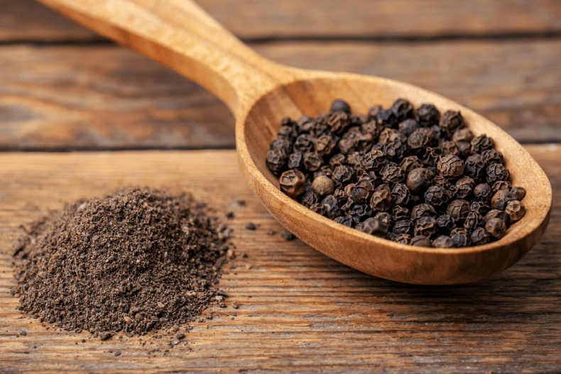 black peppercorn and ground black pepper