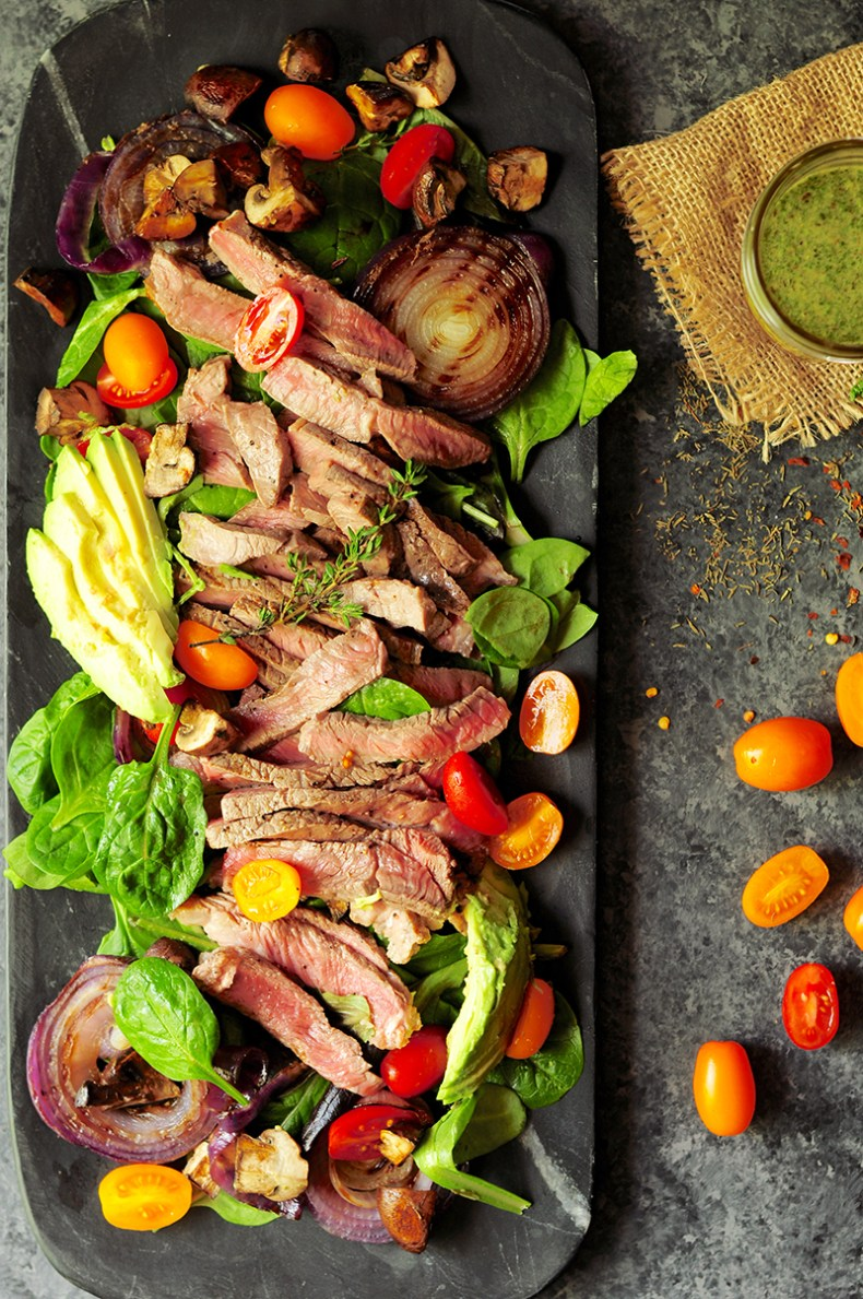 Make salad more exciting by adding succulent steak and green chimichurri sauce with this steak salad recipe. You'll have a healthy and impressive meal without much effort! It only takes 30 minutes.
