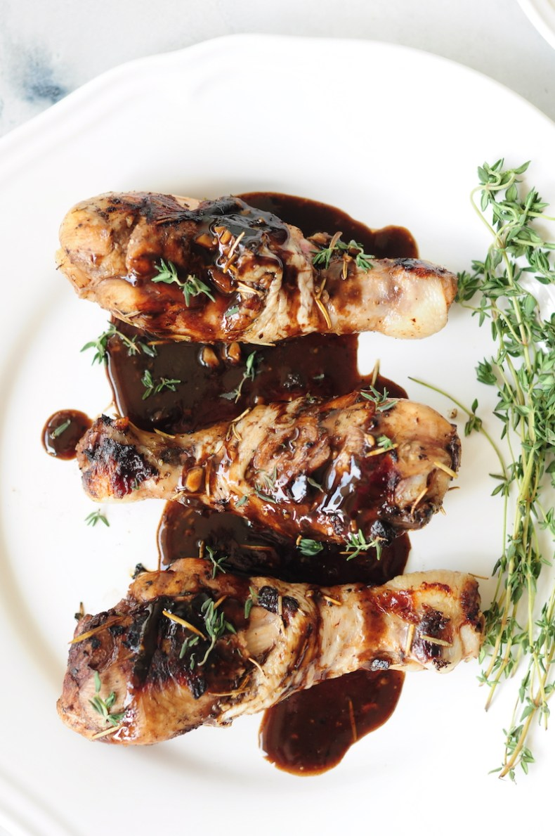 These sous vide chicken legs offer super tender chicken meat along with crispy skin. Drizzled with a delectable honey balsamic sauce, they are fingerlickingly delicious.