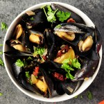 Super Easy Mussel Recipe with White Wine Sauce