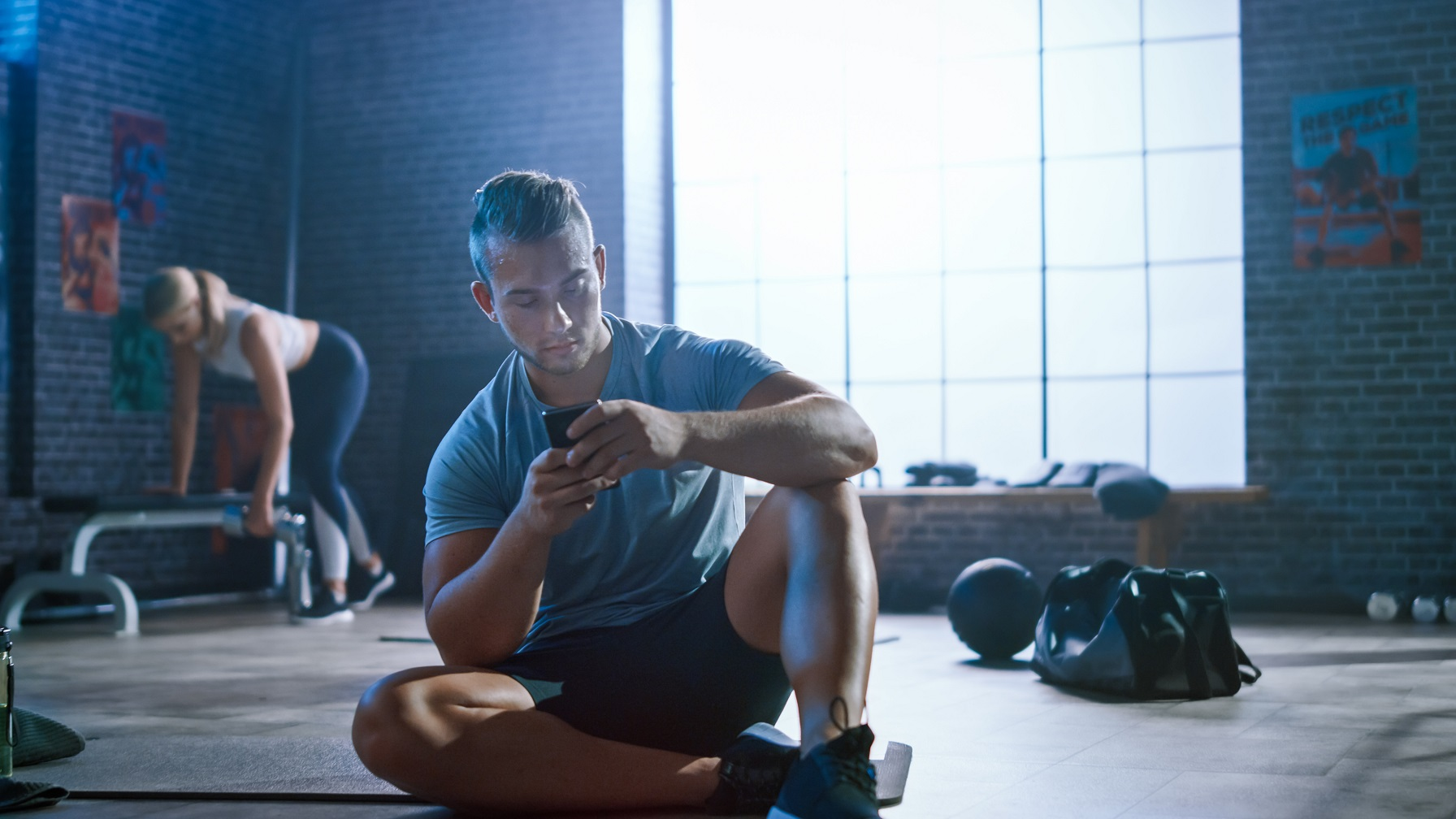 Tracking workouts in a training log app