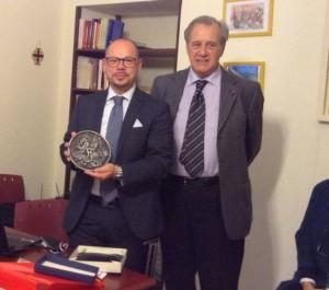 Il Cavaliere di Gran Croce Avvocato Aldo Porceli ringrazia il Prof. Giuseppe Bombino