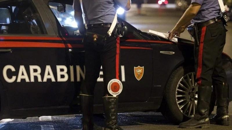 """Green Pass, """"da mezzanotte Carabinieri senza Certificato fuori dagli alloggi"""": insorgono i sindacati"""