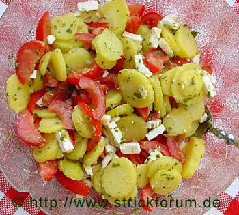 Kartoffelsalat mit Tomaten und Bohnenkraut