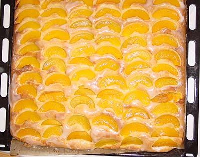 Pfirsichkuchen mit Amaretto-Guss