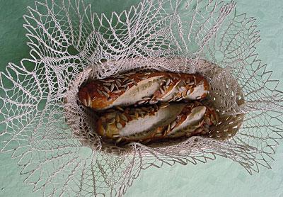 Brotkorb mit Deckchen, bread basket with doily