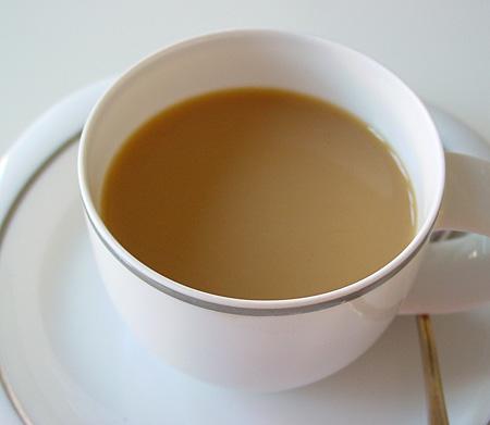 Farbe bekennen: sandbrauner Milchkaffee