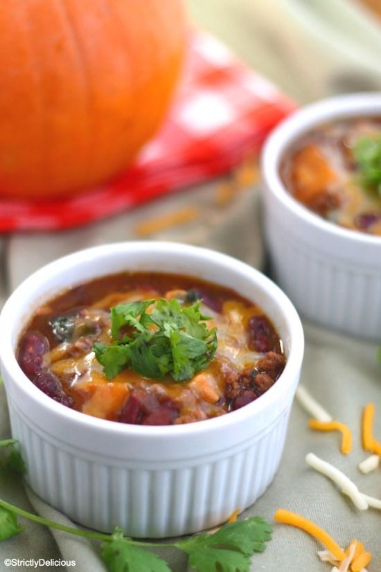 Pumpkin Chili (Nightshade Free & AIP) | StrictlyDelicious.com