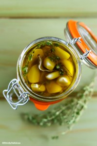 How to Pickle Garlic in Olive Oil | StrictlyDelicious.com