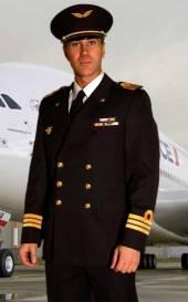 costume de pilote d'avion pour surprise strip-tease a domicile
