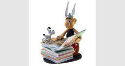 Asterix met de stapel boeken, PLA00123