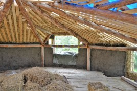 2016-7-13-strawbale-hobbithouse-sweden-26