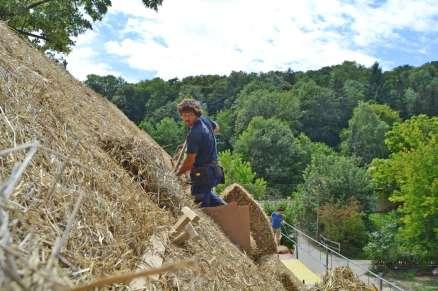 strawbalehouse-ernstbrunn-roof-infill-16